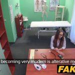 Em falso hospital cena de sexo com enfermeiro