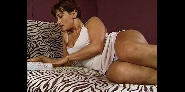 Belo sexo com tia boazuda